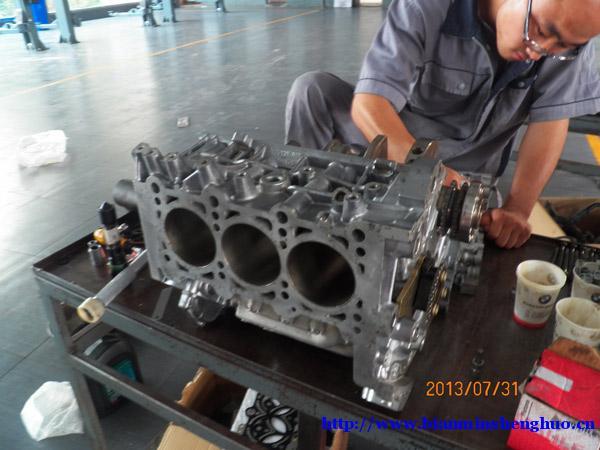 本公司承诺奥迪维修的发动机,变速箱大修质保三年或15万公里.